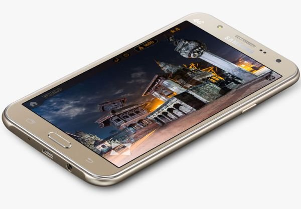 Самсунг представила два новых устройства - Galaxy J7 и Galaxy J5