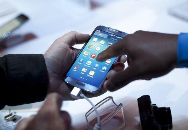 Российский рынок смартфонов замедлил свои темпы роста в 13 раз